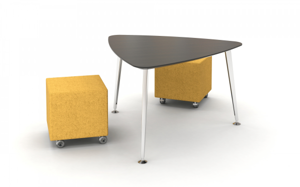 Triangle day to day table on casters