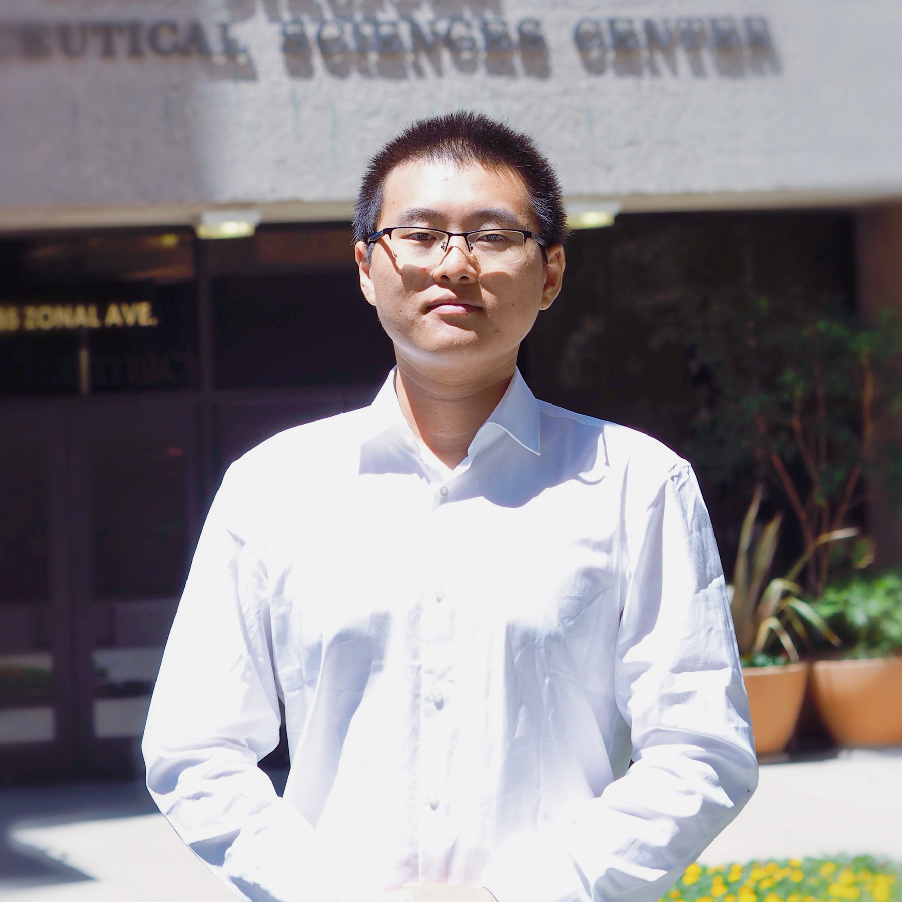 Charlie Chen is a first-year graduate student majoring in Healthcare Decision Analysis at the USC School of Pharmacy. He completed his Bachelor's degree in Biology at University of Science and Technology of China.