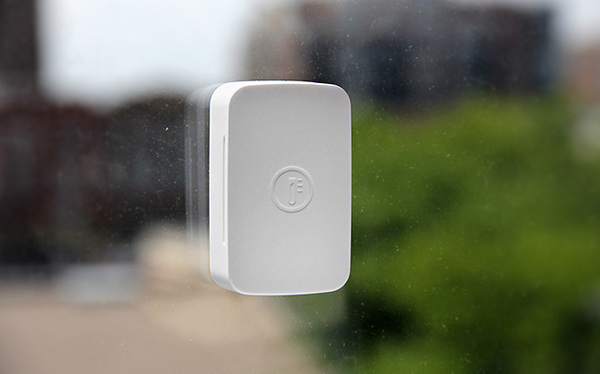 SmartThings SmartSense Temp/Humidity Sensor    Protect your home and belongings from costly damage by receiving early warnings about extreme temperatures and humidity levels with this ZigBee device