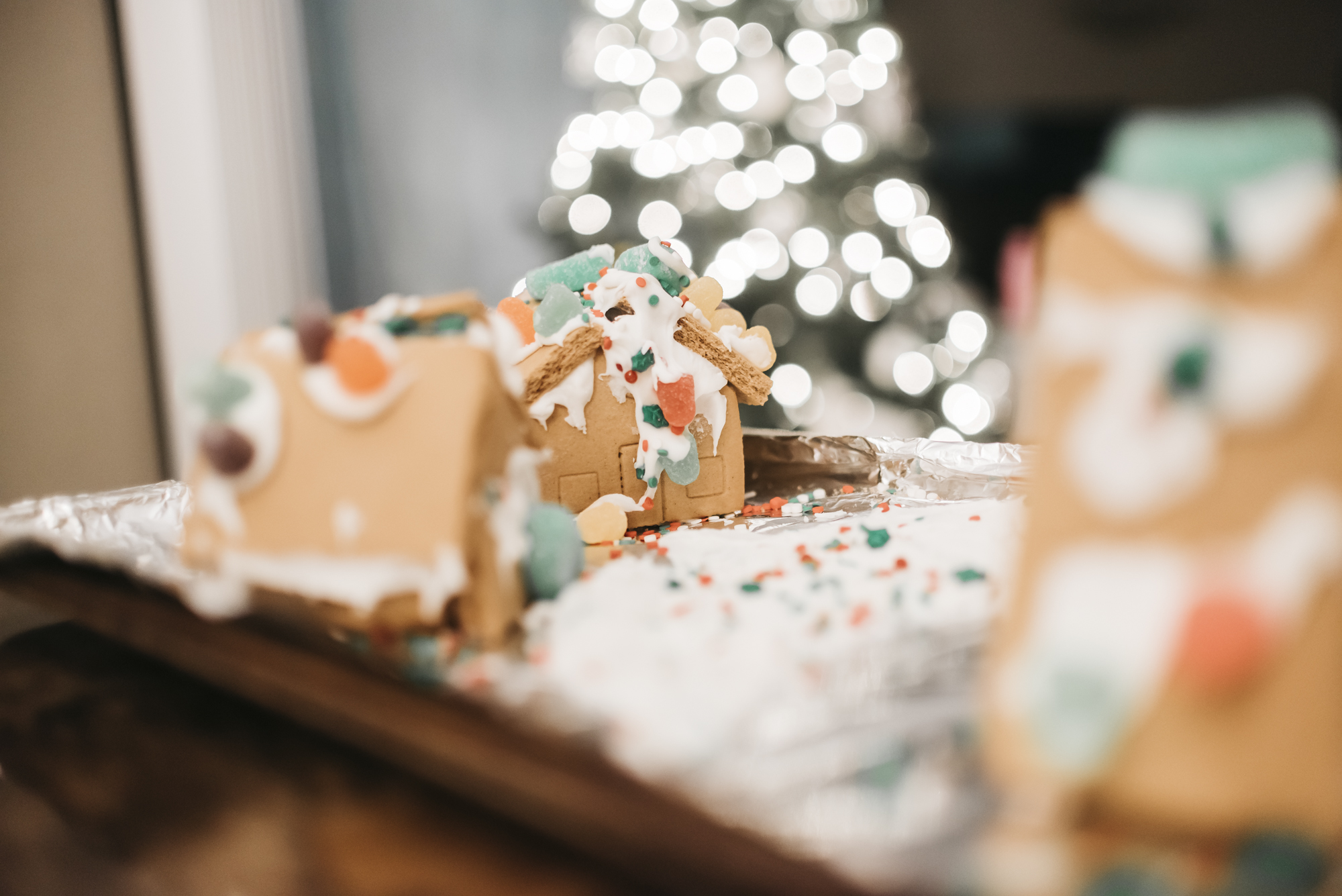 samanthawhitford.com gingerbread village christmas 2018 (13).jpg