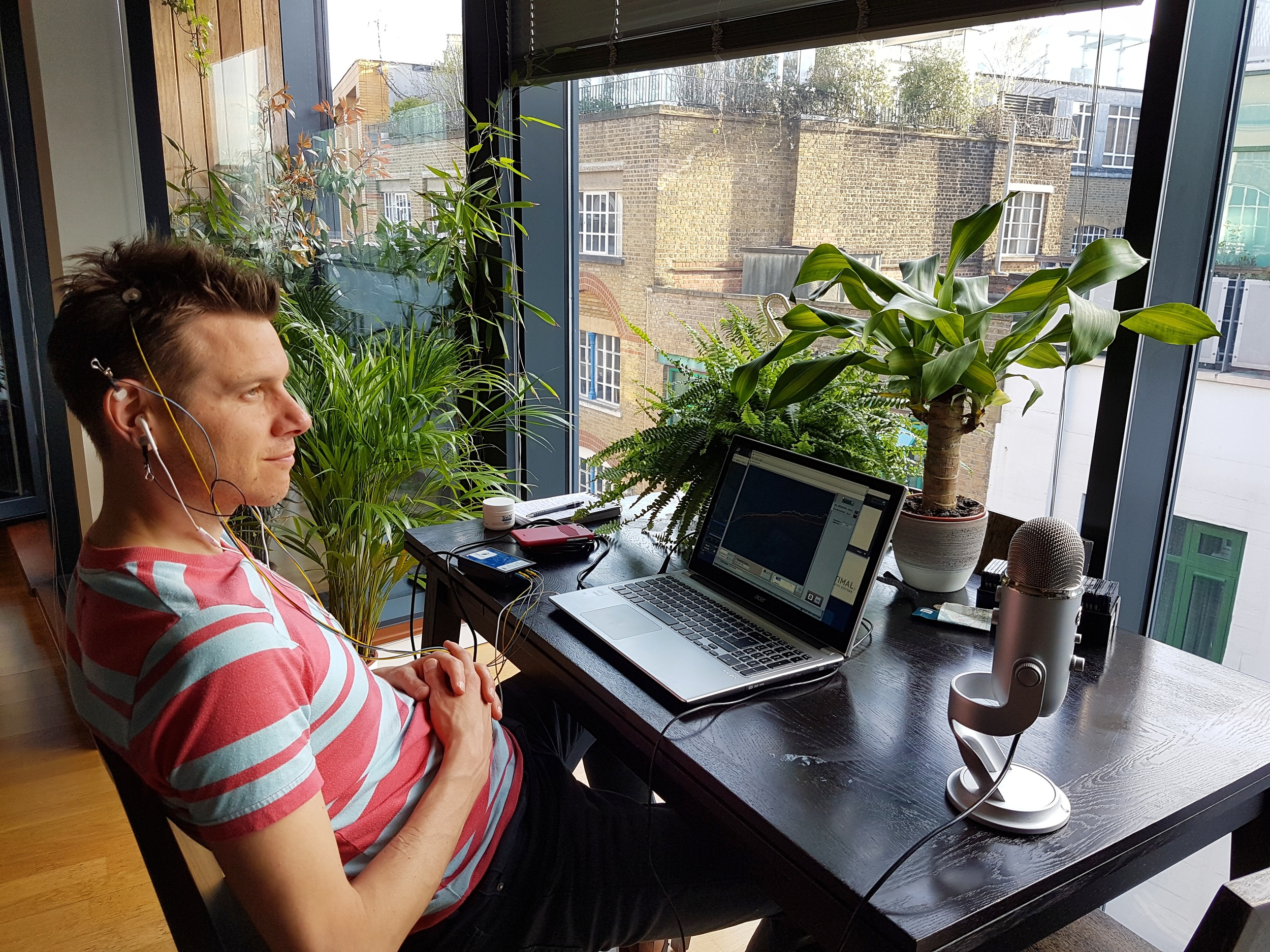 Tony Wri - Sky Sports News and Zestology podcast presenter getting an Optimal Feedback home visit.