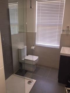newport bathroom.JPG