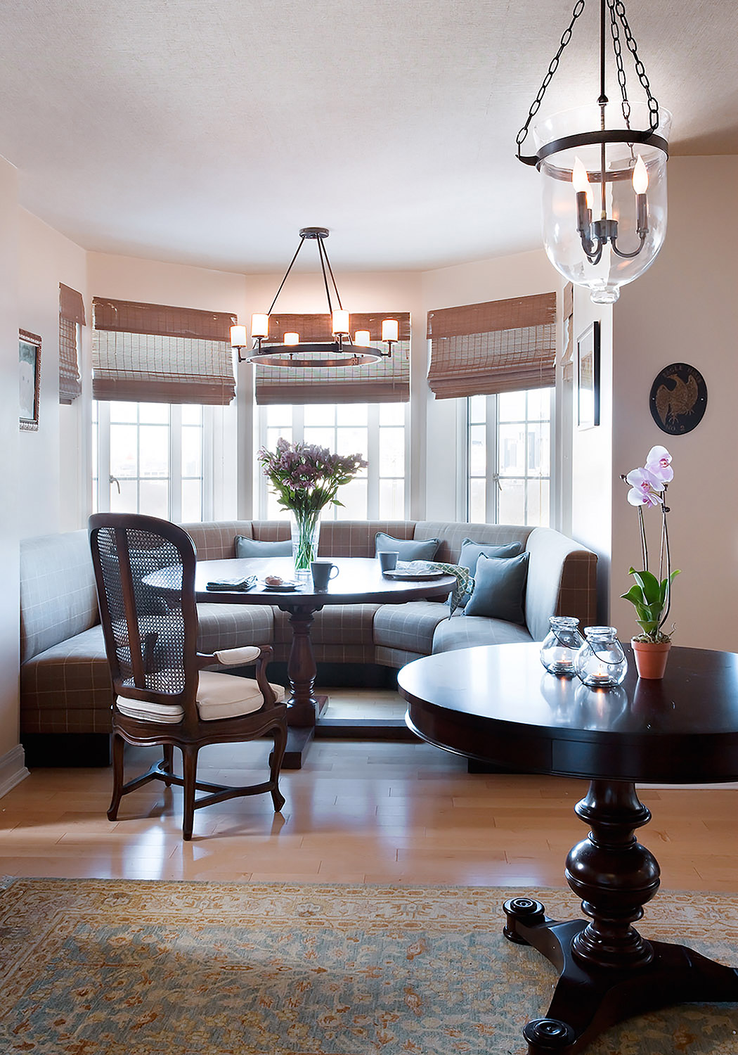 lorla studio_boston_entry_banquette.jpg
