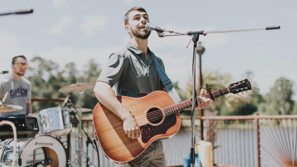Lago-Del-Pino-Tyler-Dudley-Live-Music-3.jpg