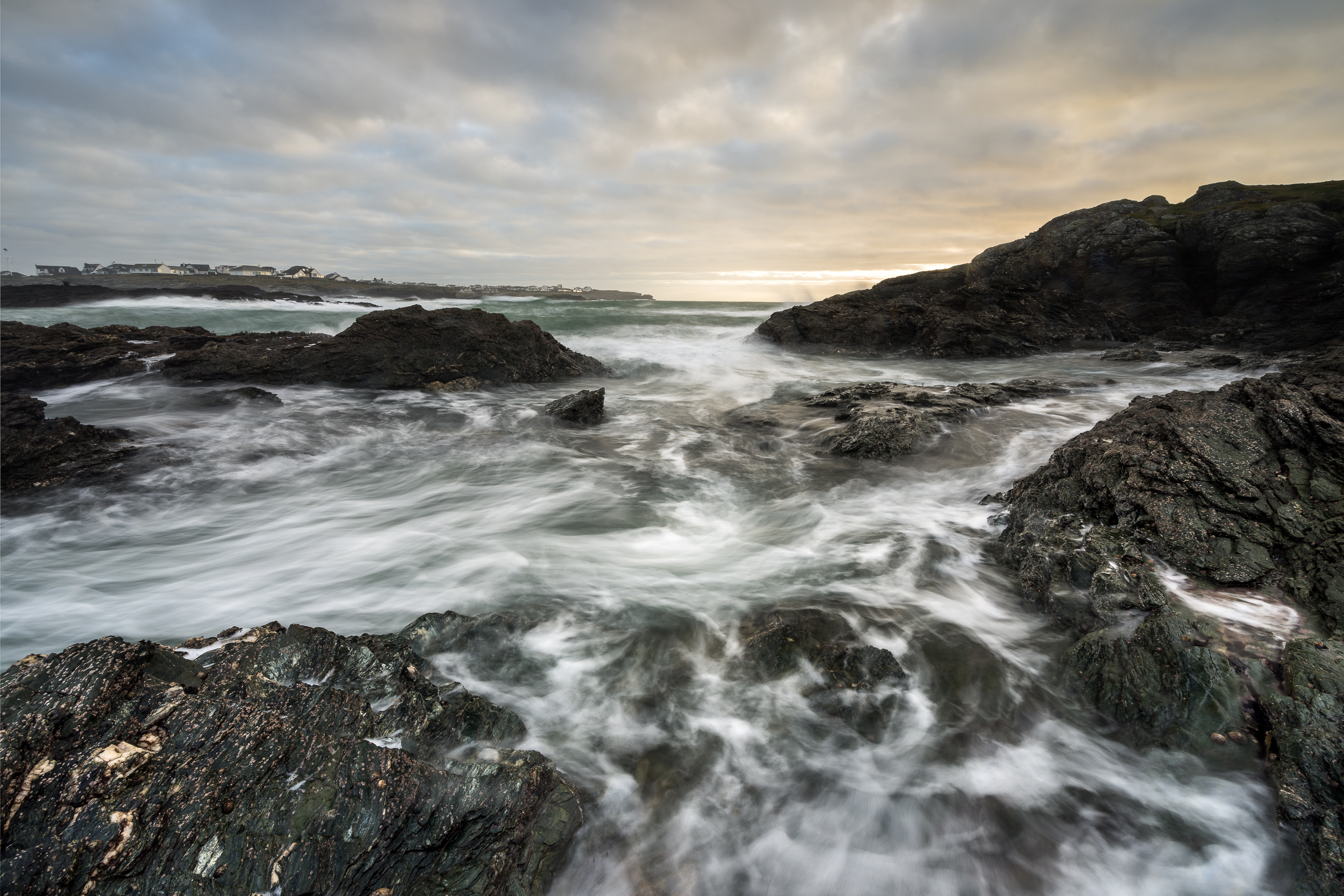 caernafon bay waves (1 of 1).jpg