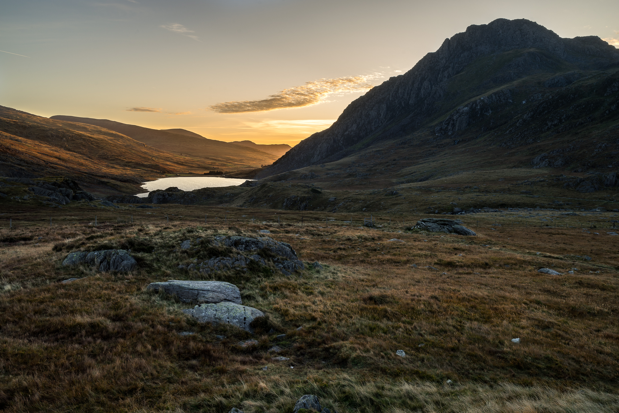 ogwen sunrise (1 of 1).jpg