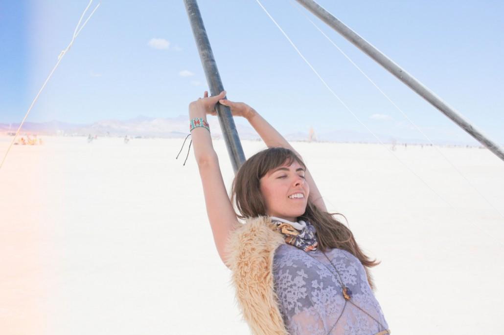 woman in desert-how to relax-feel good-eft practitioner