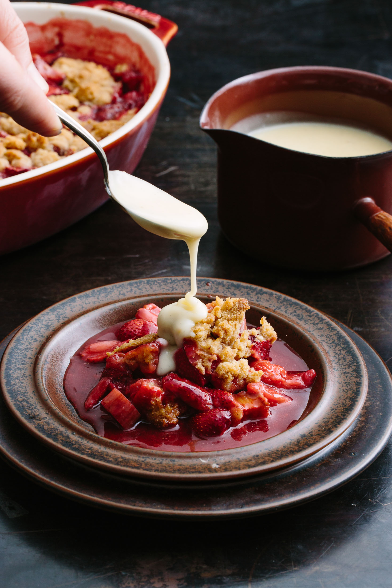 food-strawberry-rhubarb-crumble-christine-han-100.jpg
