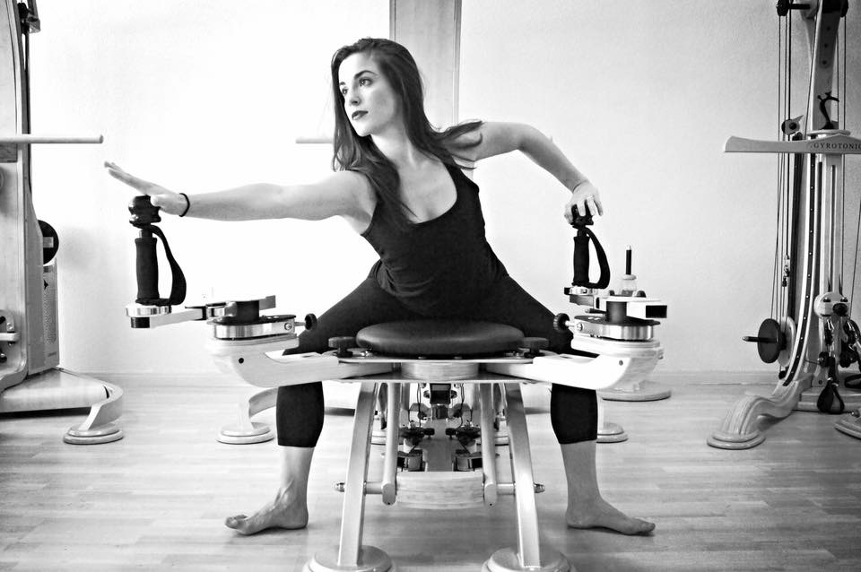 Rebecca Correia began studying GYROTONIC® at age fifteen with master trainer Irene Pulli as a means of cross training for ballet.