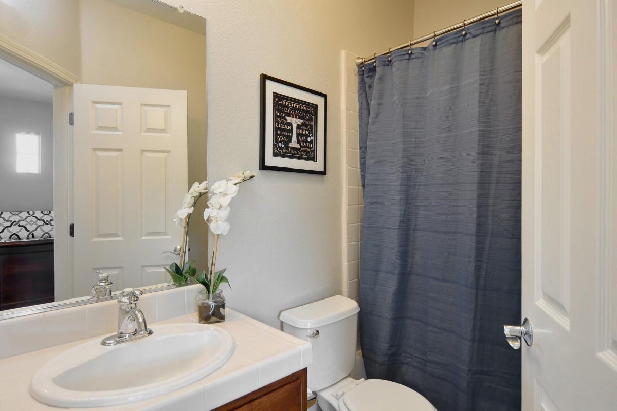 Bathroom (3) (Custom).jpg