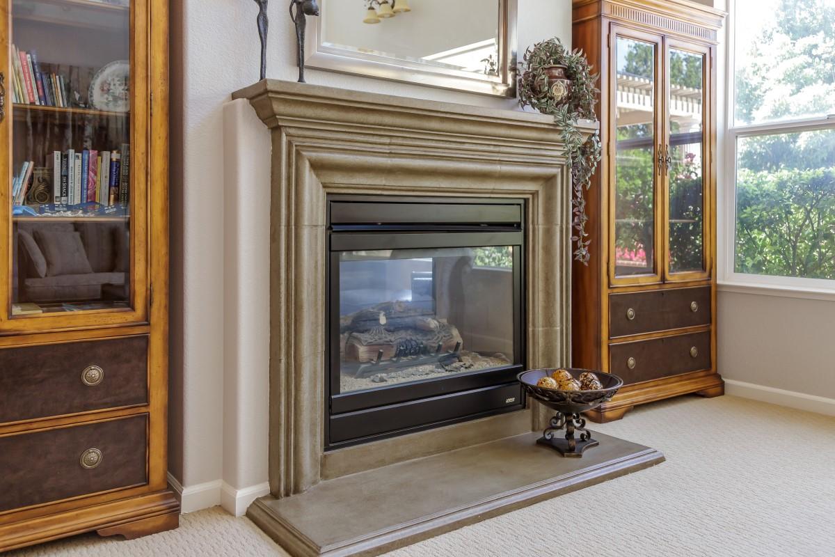 Living Fireplace (1) (Custom).jpg