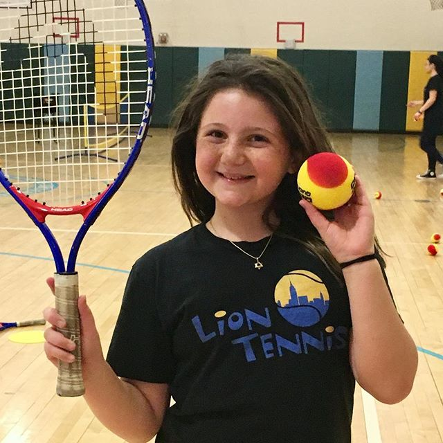 After School with Lion Tennis 🎾 #kidstennis #cutekidsclub #manhattankids #brooklynkids #afterschool #fidi #batterypark #liontennis #parkslope #instakids