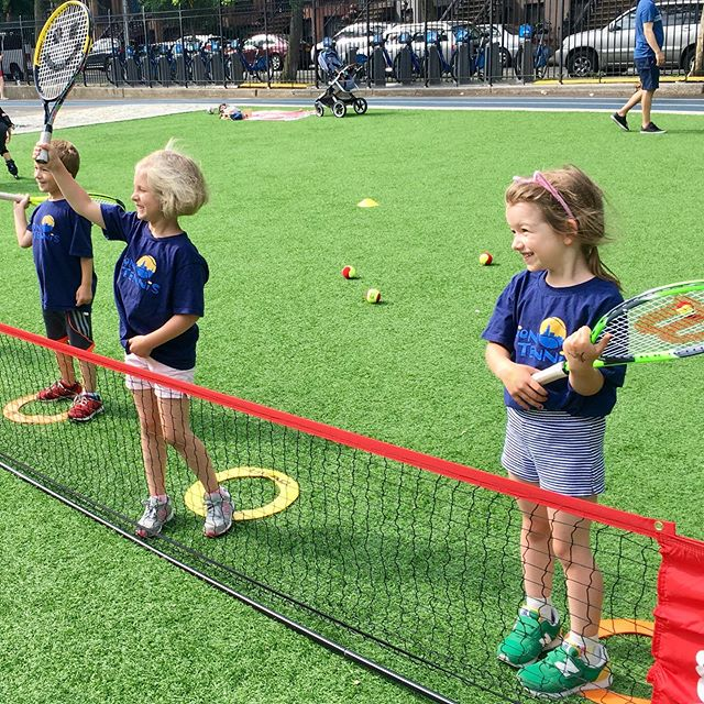 Smiles and fun in our Young Lions class #thehappynow #tennislessons #cutekids #brooklynkids #instakids #netgeneration #fortgreene #parkslopeparents #parkslopemoms #parkslope #brooklyntennis #tenniskidsofinstagram