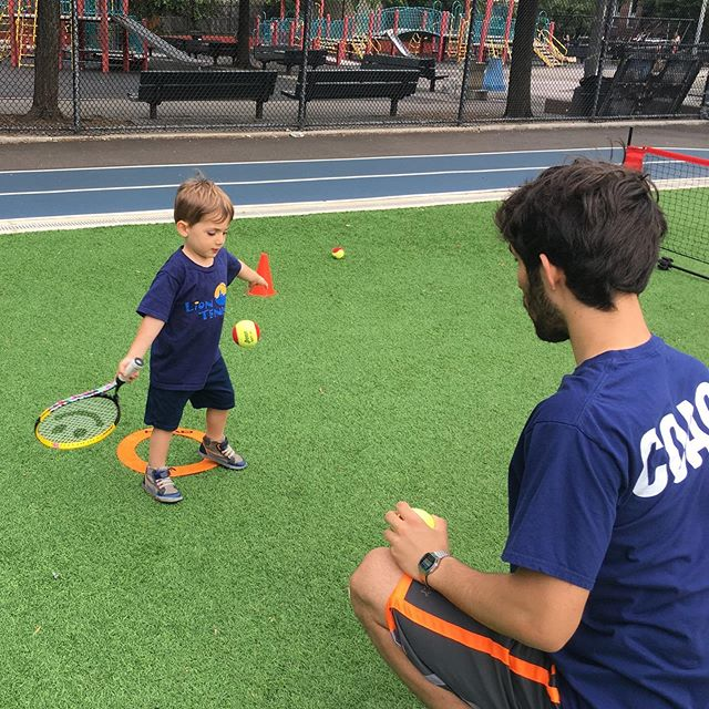 Summer fun @lion_tennis #mondaymotivation #littleandbrave #nyckids #brooklynkids #kidstennis #parkslope #carrollgardens #tenniscoach  #gowanus #futurewimbledonchamp #wimbledon #netgeneration