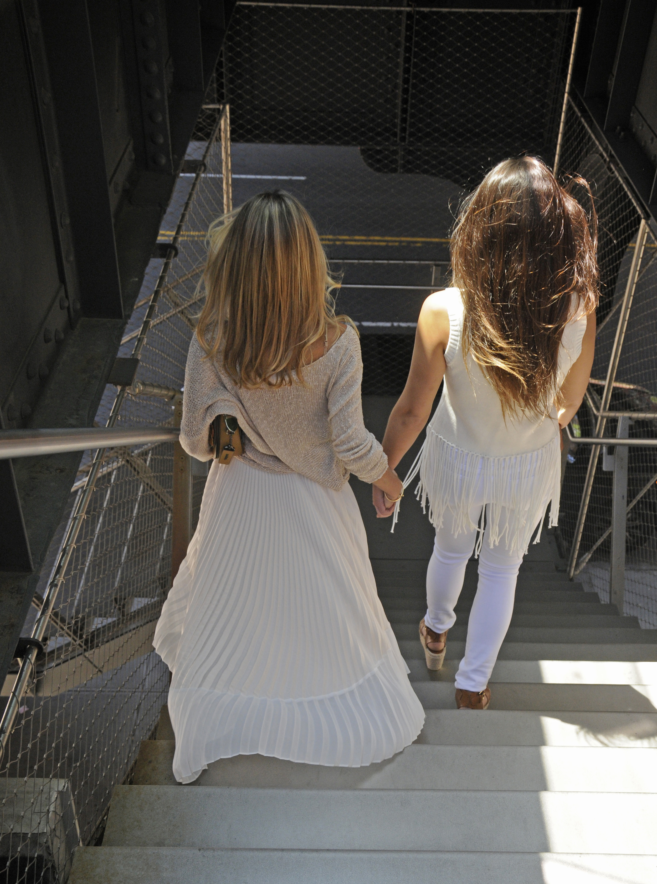 YIN 2MY YANG BICKLEY SISTERS STAIRS SISTER BLOGGERS
