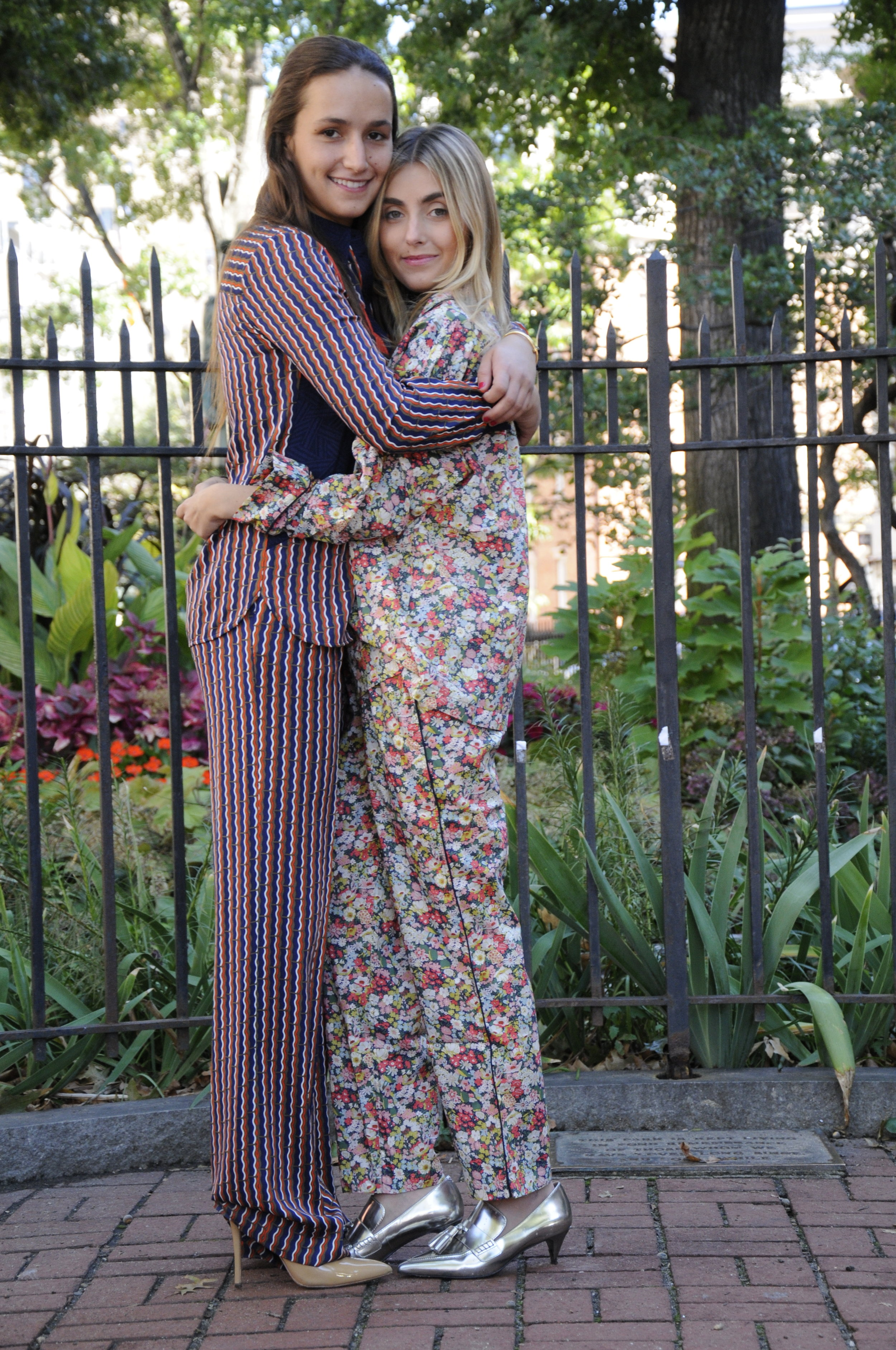 SOPHIE AND CHARLOTTE BICKLEY YIN 2MY YANG SISTER BLOGGERS PAJAMA TREND