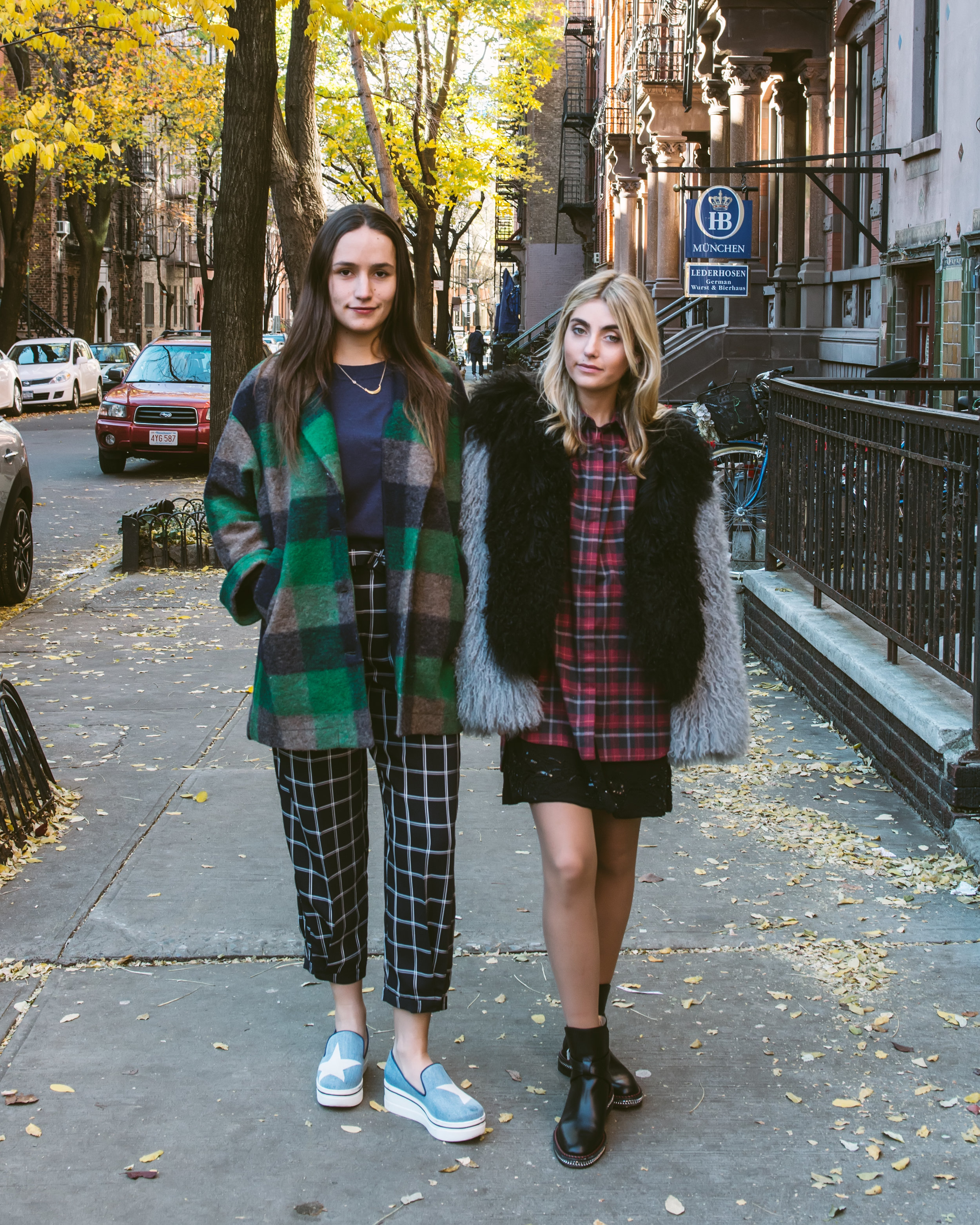 SOPHIE AND CHARLOTTE BICKLEY YIN 2MY YANG SISTER FASHION BLOGGERS PLAID POST
