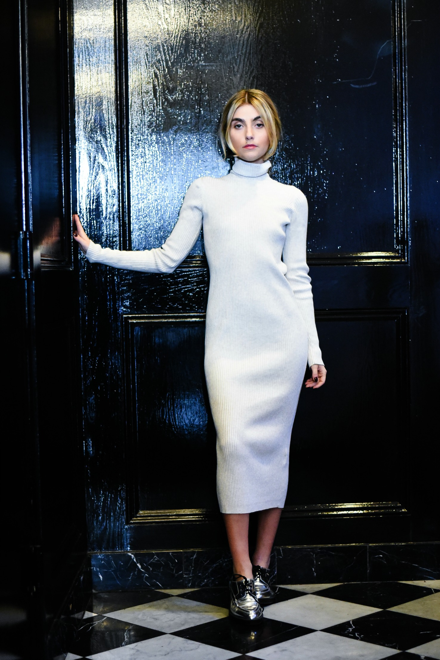 CHARLOTTE BICKLEY YIN 2MY YANG SISTER FASHION BLOGGERS NYC SWEATER DRESSES POST