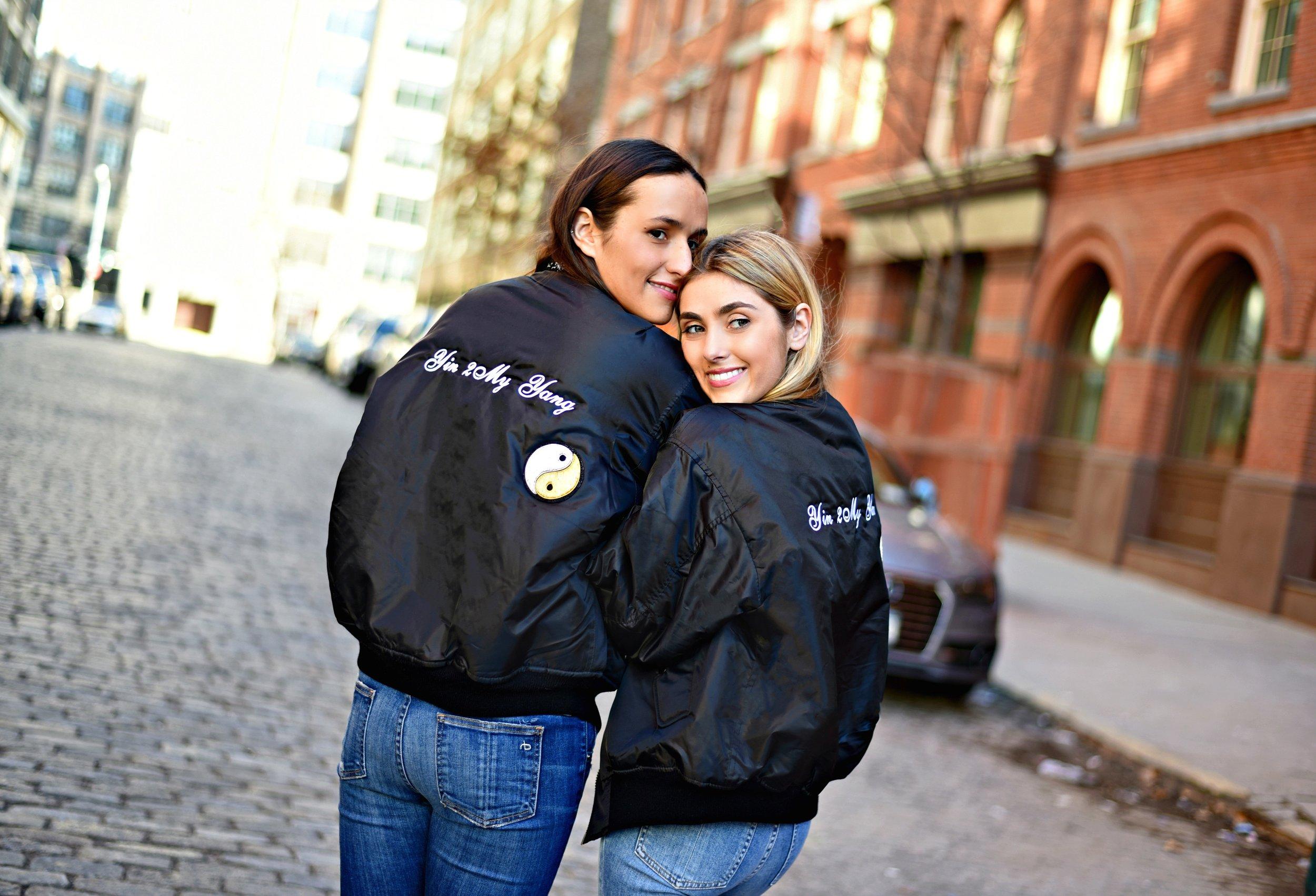 SOPHIE & CHARLOTTE BICKLEY YIN 2MY YANG SISTER FASHION BLOGGERS NYC UNEMPLOYED DENIM POST 15.jpg