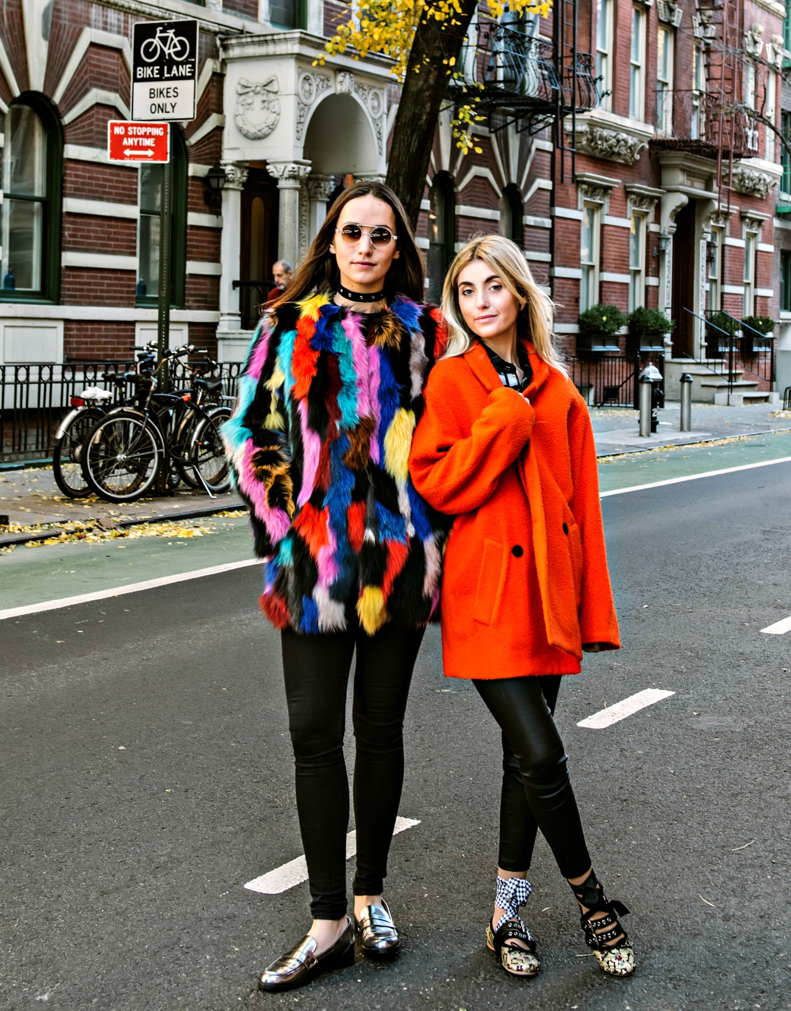 SOPHIE AND CHARLOTTE BICKLEY YIN 2MY YANG FASHION BLOGGERS STATEMENT COAT POST