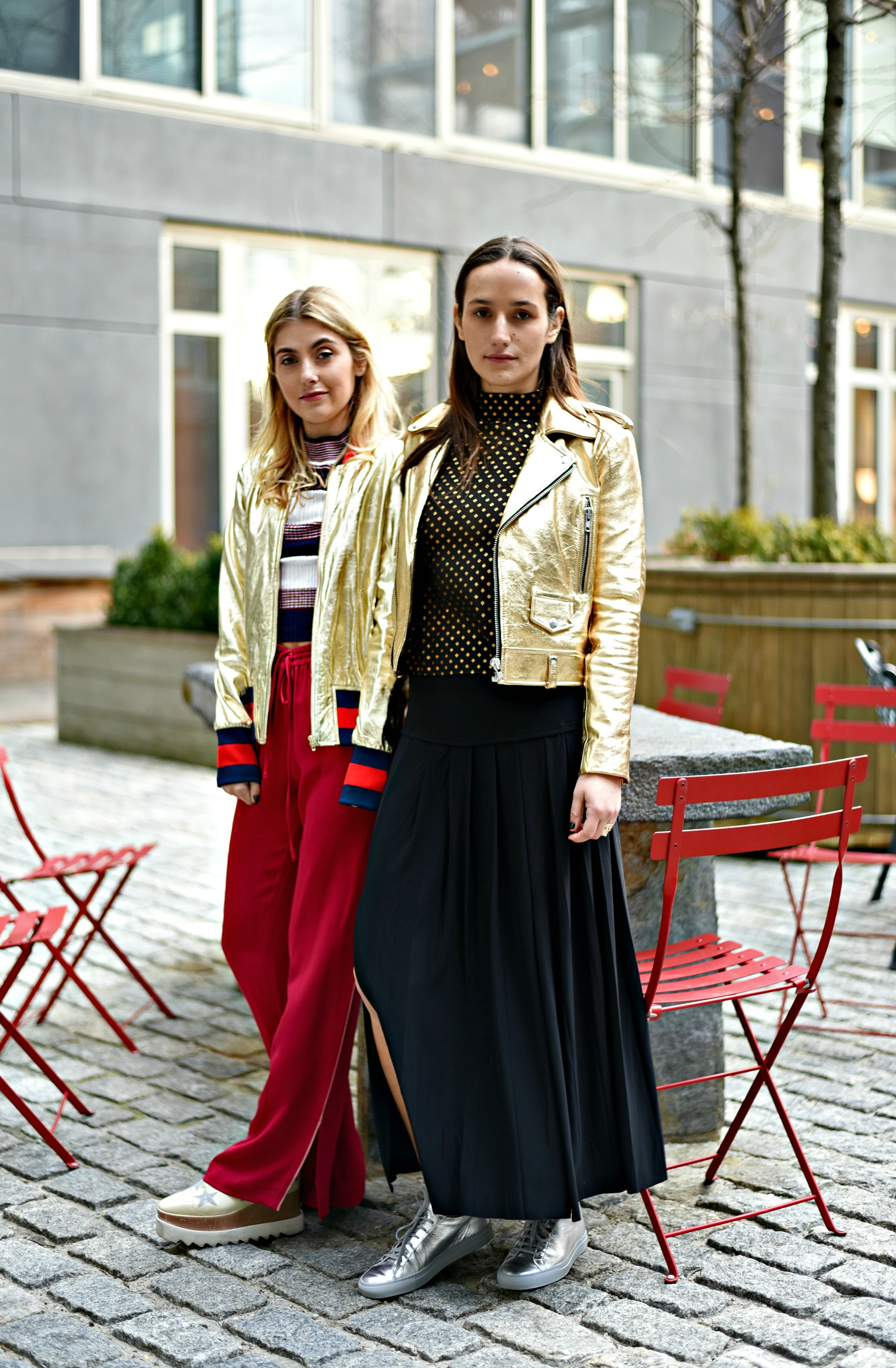 SOPHIE & CHARLOTTE BICKLEY FASHION SISTER BLOGGERS NYC METALLIC POST