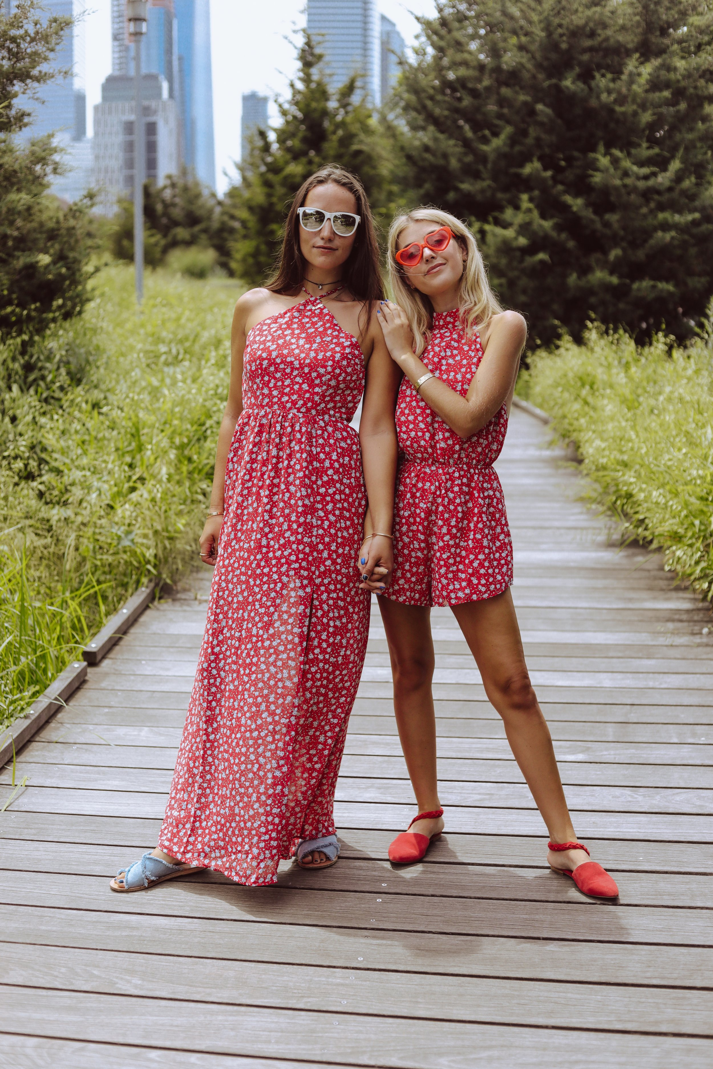 SOPHIE & CHARLOTTE BICKLEY YIN 2MY YANG NYC SISTER FASHION BLOGGERS TOBI FLORAL POST
