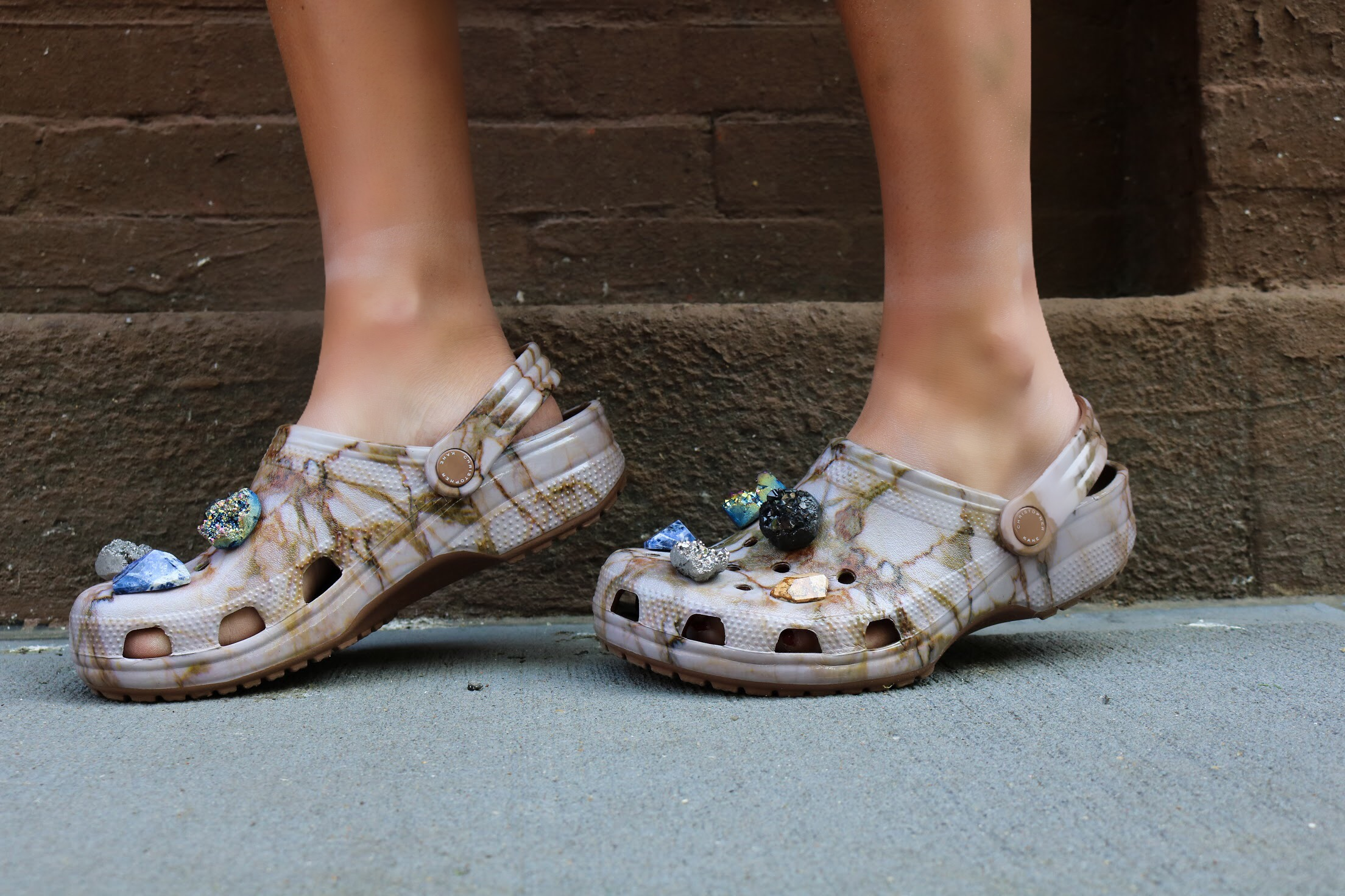 CHARLOTTE BICKLEY YIN 2MY YANG SISTER BLOGGER CROCS POST