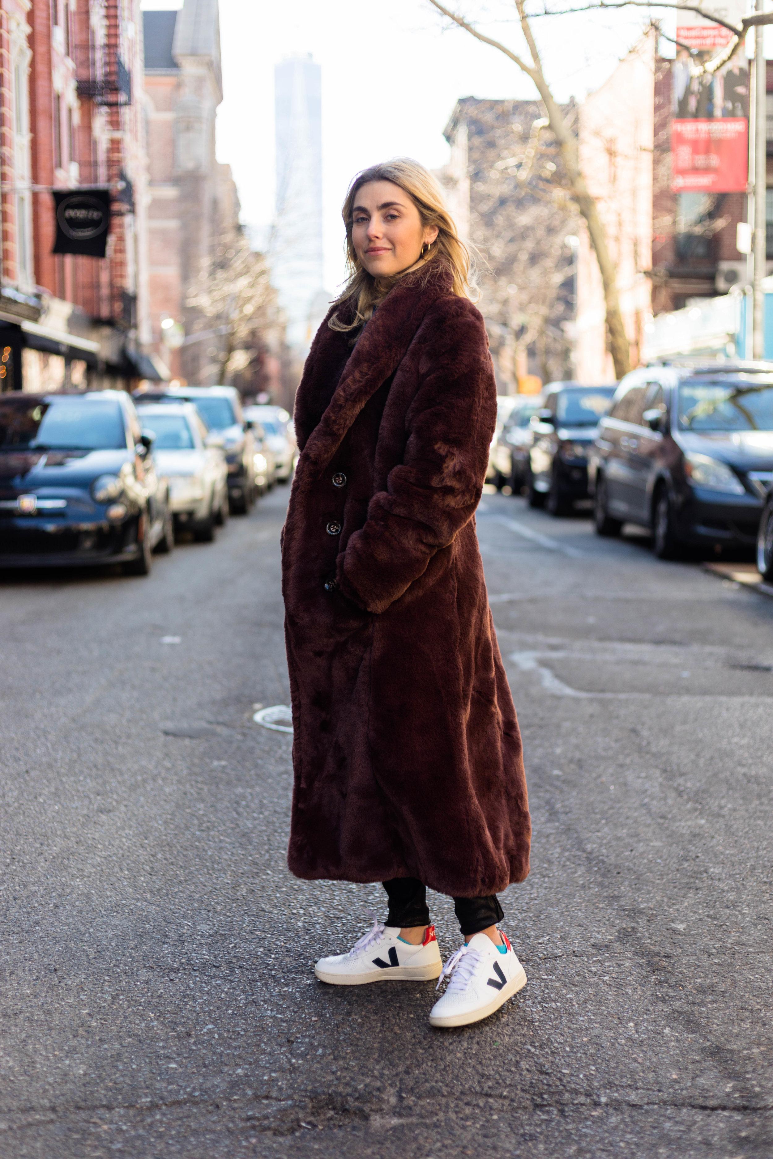 YIN 2MY YANG CHARLOTTE BICKLEY BLOGGER SISTERS NYC LONG JACKET POST JANUARY 2018