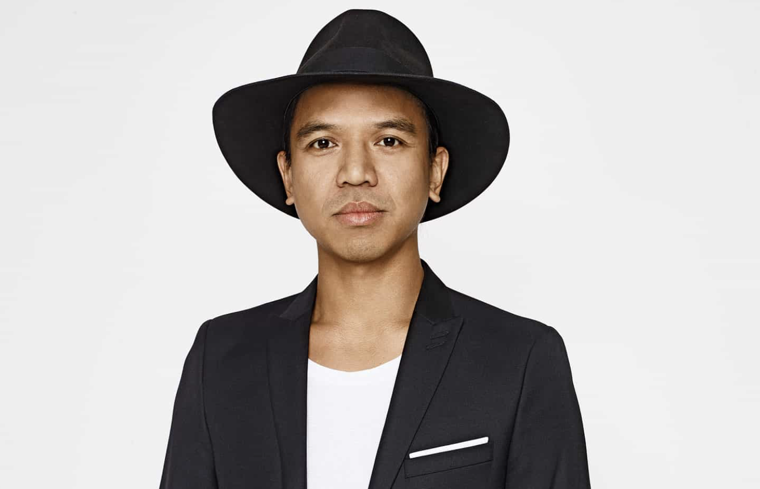 REVOLVE'S MICHAEL MENTE ON THE FASHION BRAND'S BOOMING SUCCESS -