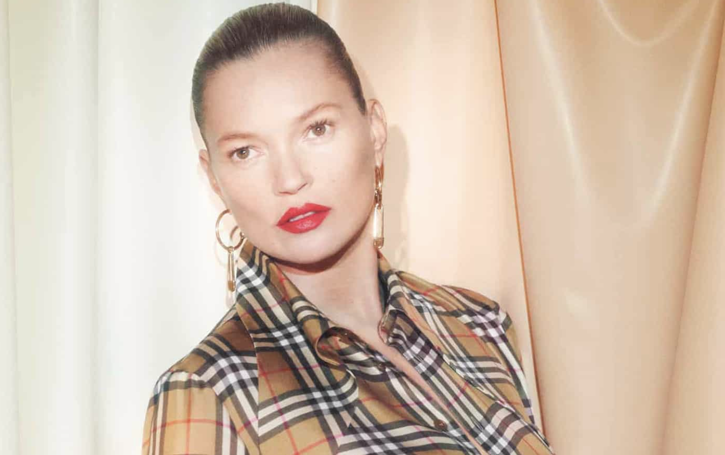 KATE MOSS ON MAKING FASHION HISTORY -