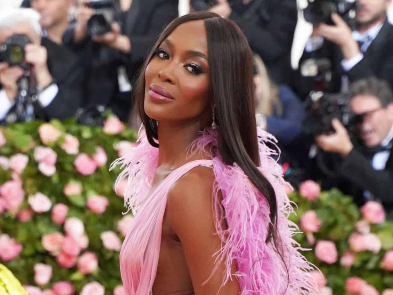 NAOMI CAMPBELL IS IN THE MOST POWER FASHION GROUP CHAT EVER -