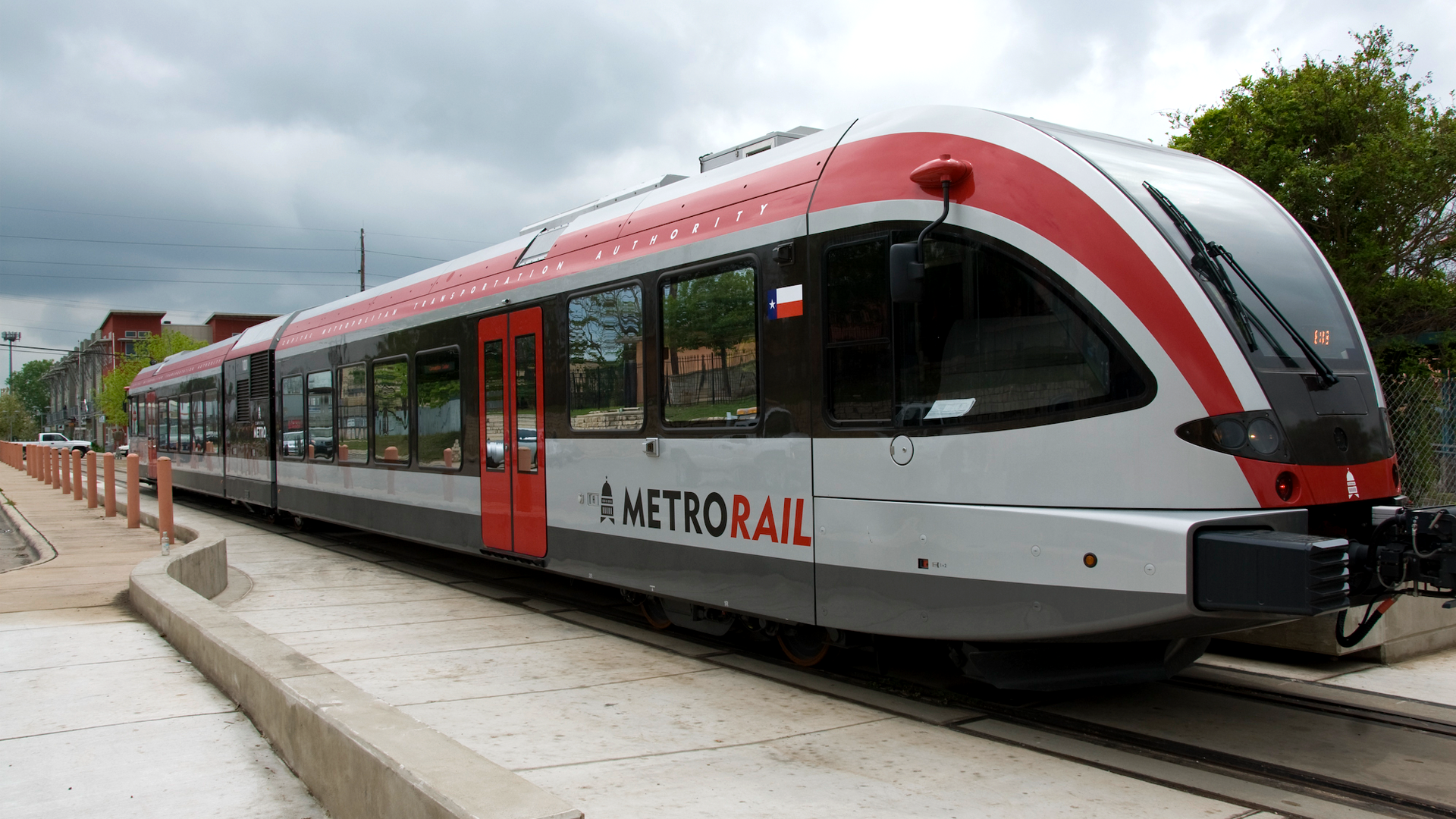Physical_metrorail_02.png