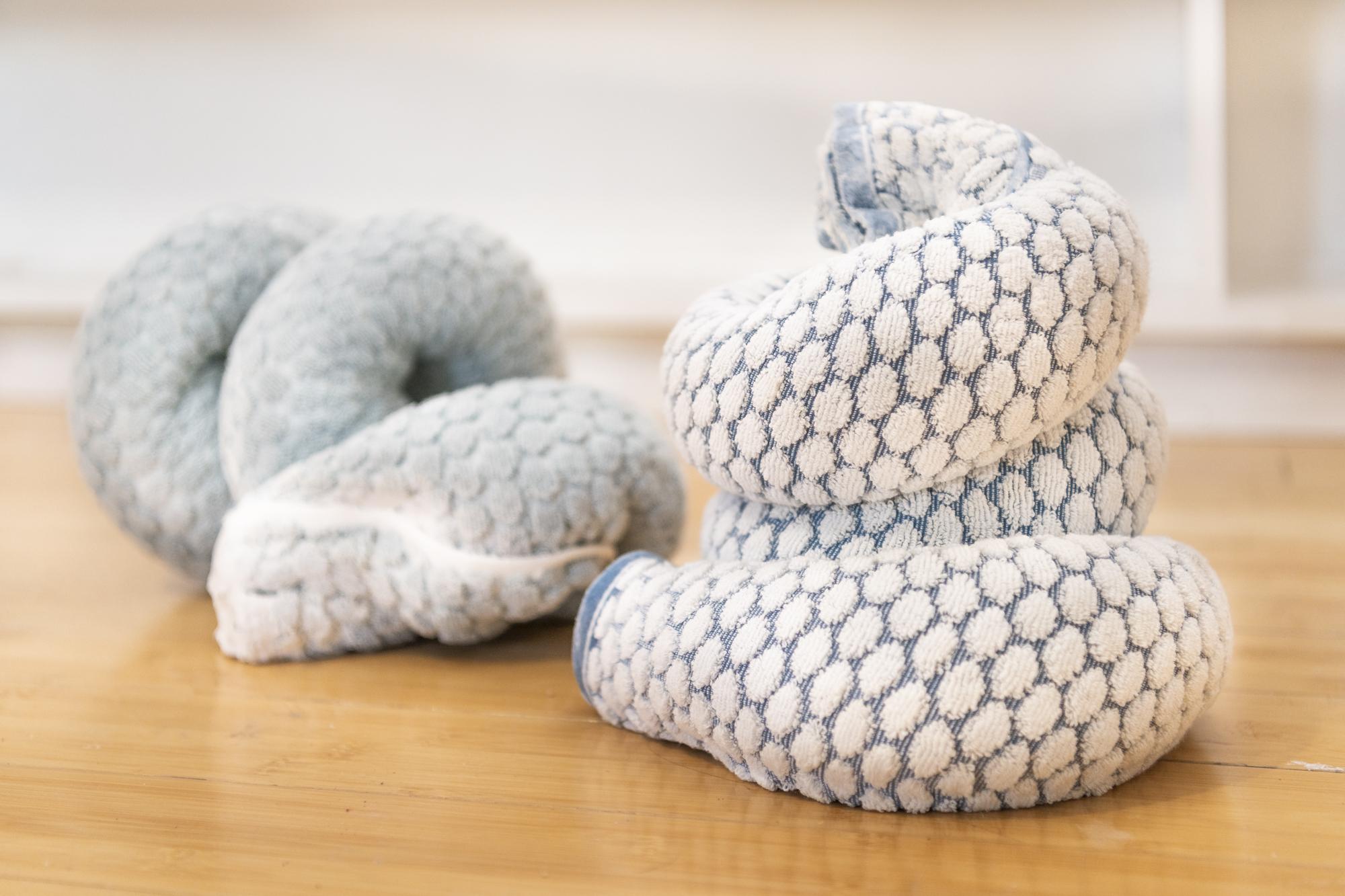 Oren Pinhassi,  Towel Snake (white & blue II) , 2016, bath towel, plaster