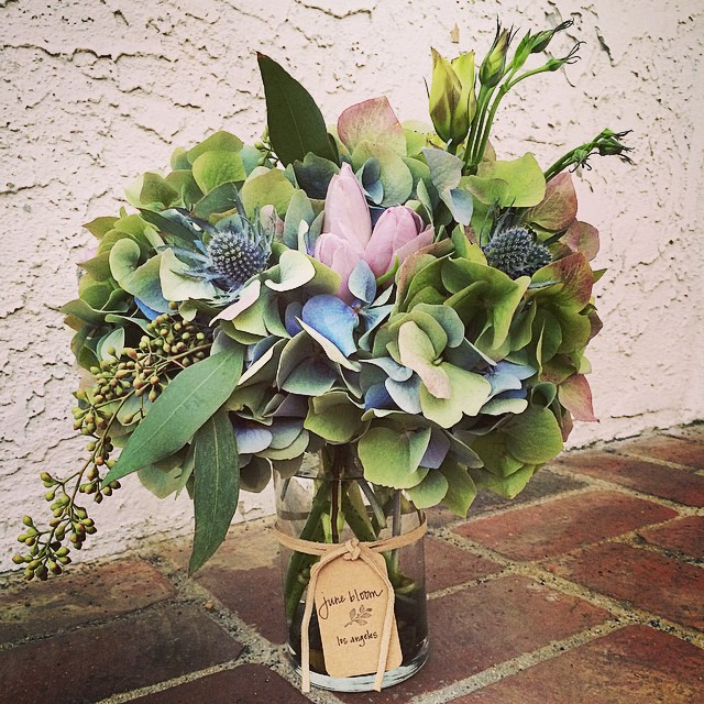 Easter Eggcellence #junebloomfloral #losangeles #hollywood #hydrangea #tulip #lisianthus #eucalyptus #naturalcolor #wedding #bouquet