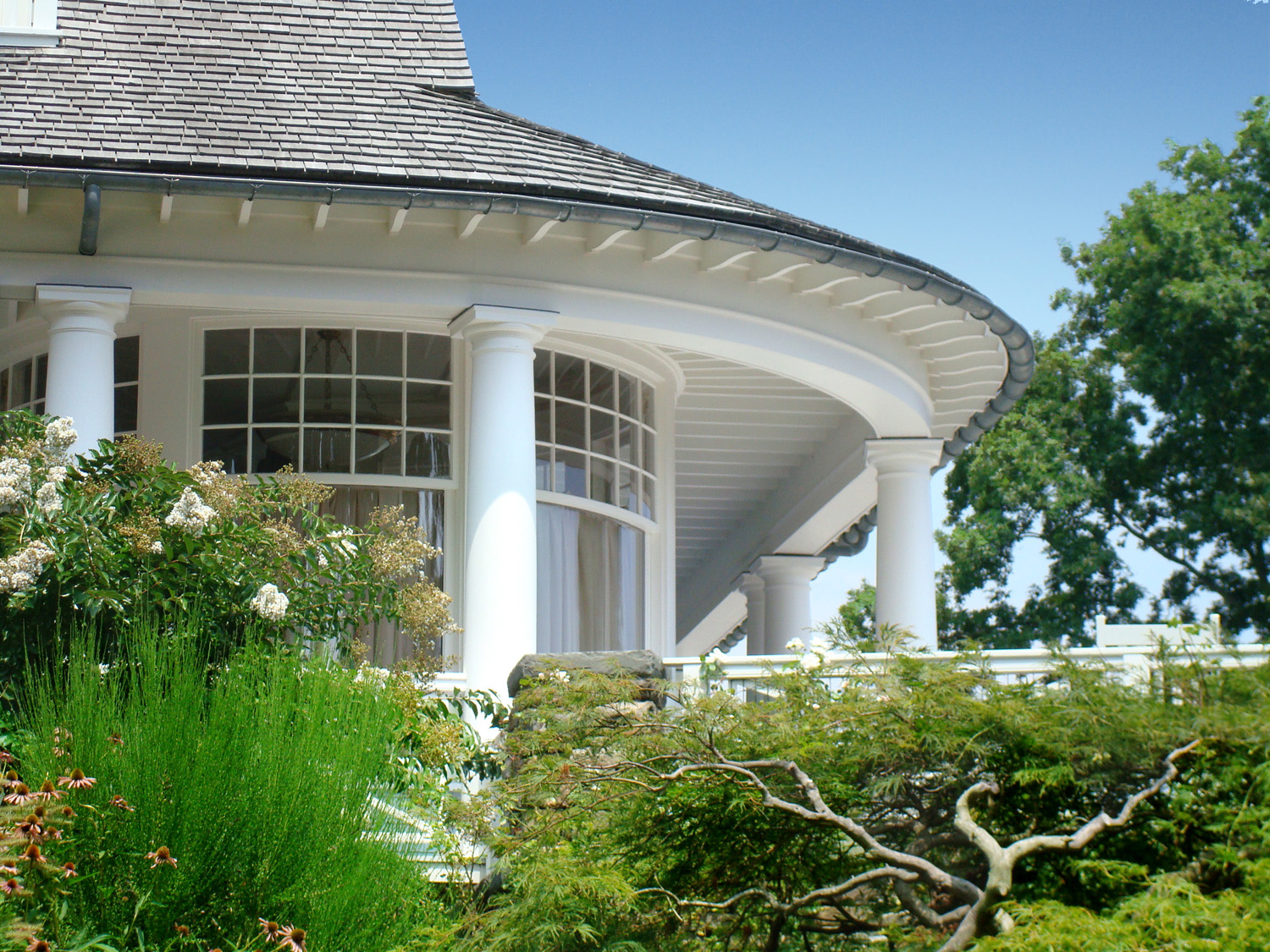 Shingle-new-construction-curved-porch-landscaping-westport-ct-exterior-w.jpg