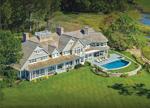 Shoreline-shingle-colonial-pool-riverside-ct-exterior-w