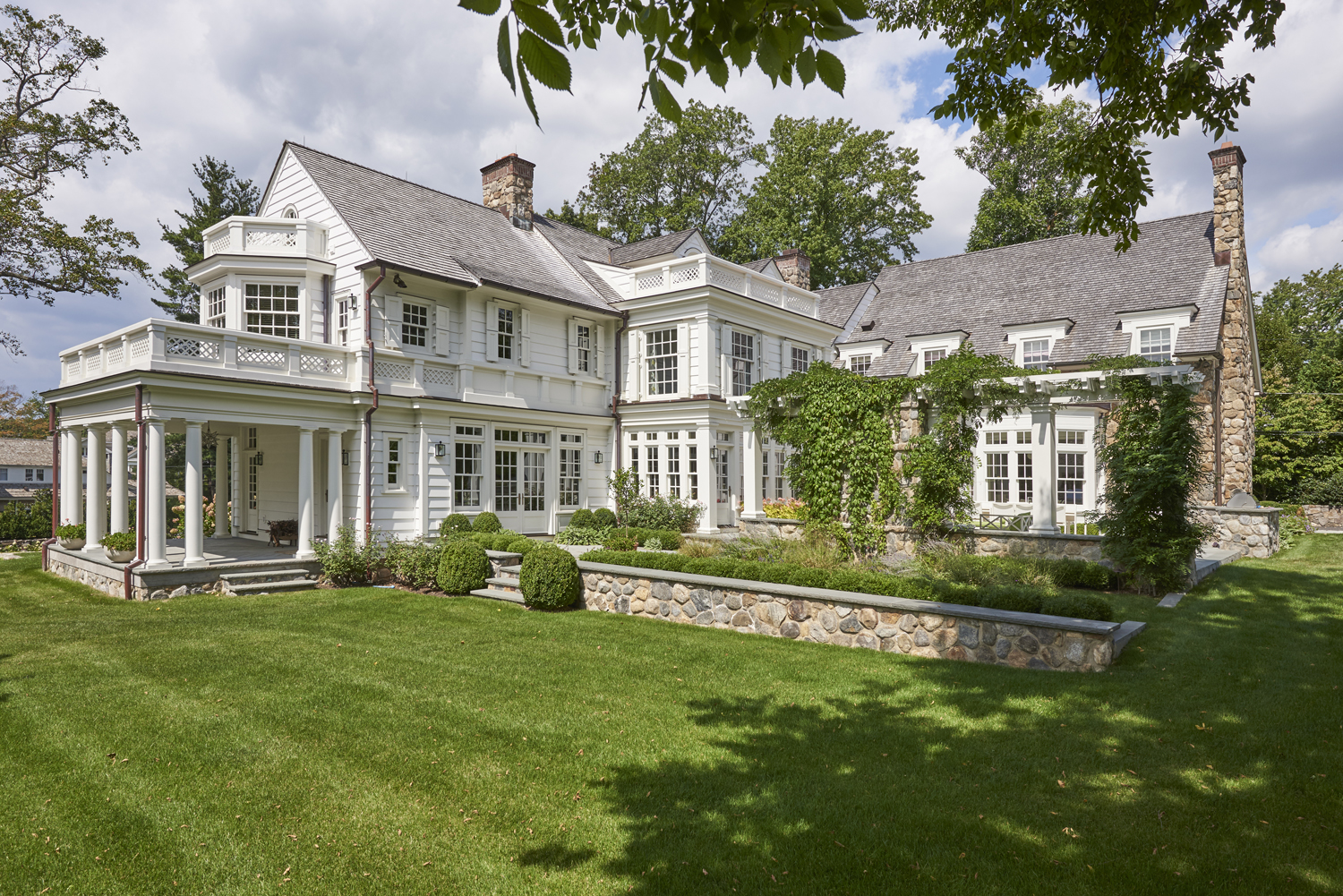 Colonial-renovation-addition-riverside-ct-exterior-w.jpg