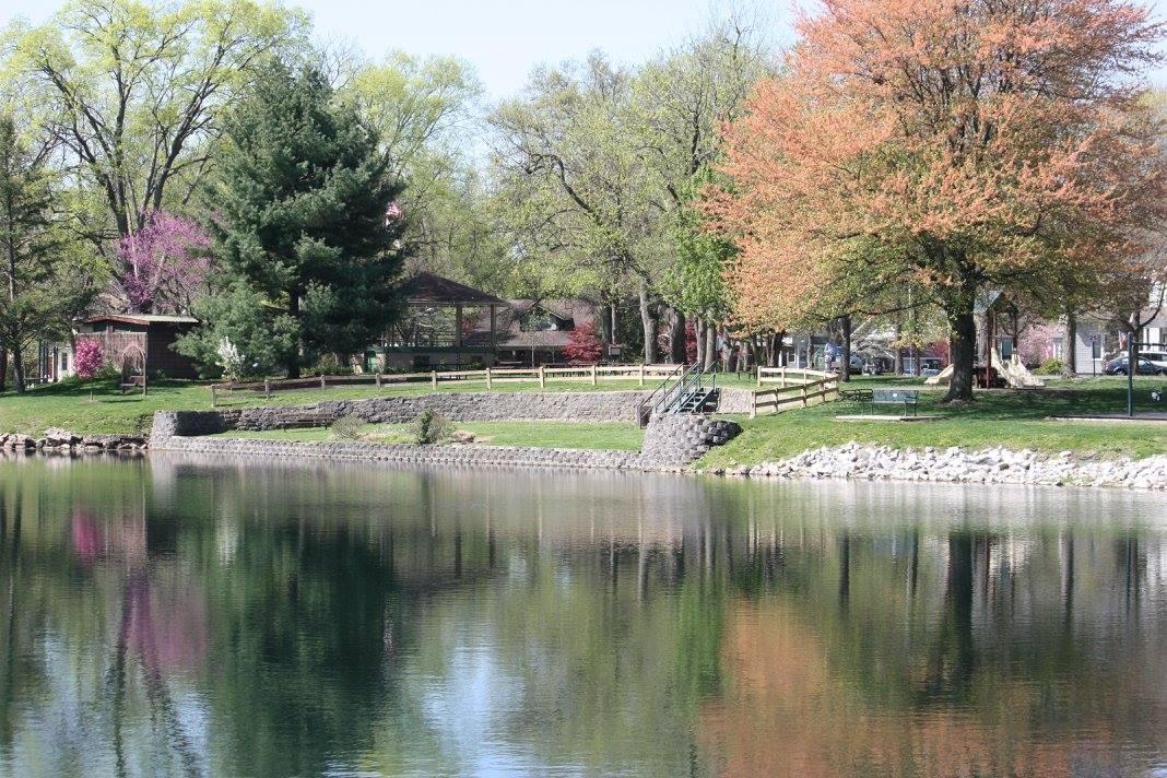 Leclaire Lake 5.jpg