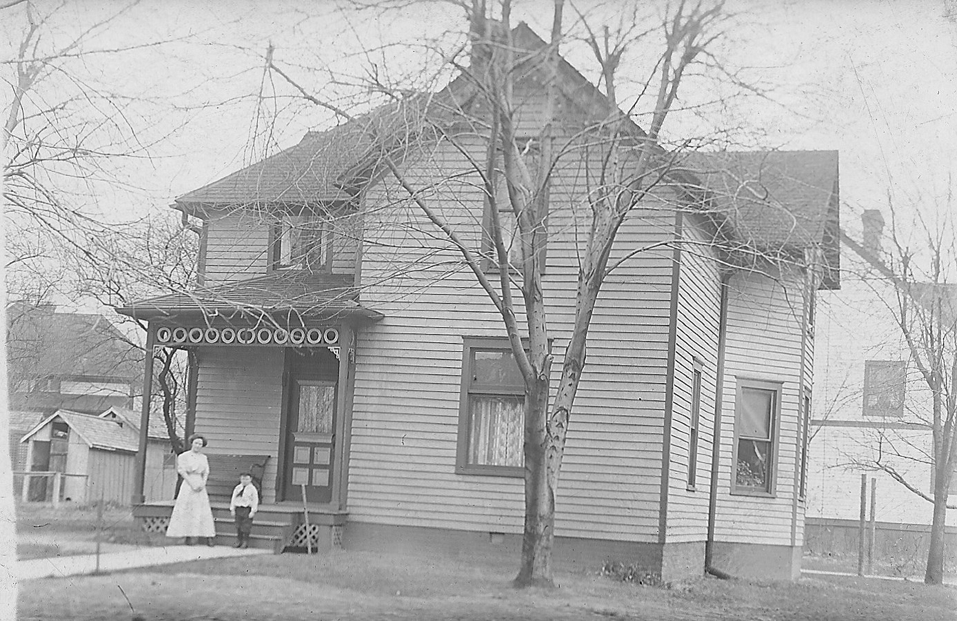 This photo shows siblings Laura and Kenneth Shaw in front of the house at 409 Jefferson circa 1904 (Courtesy of Elizabeth Shaw Stolte)