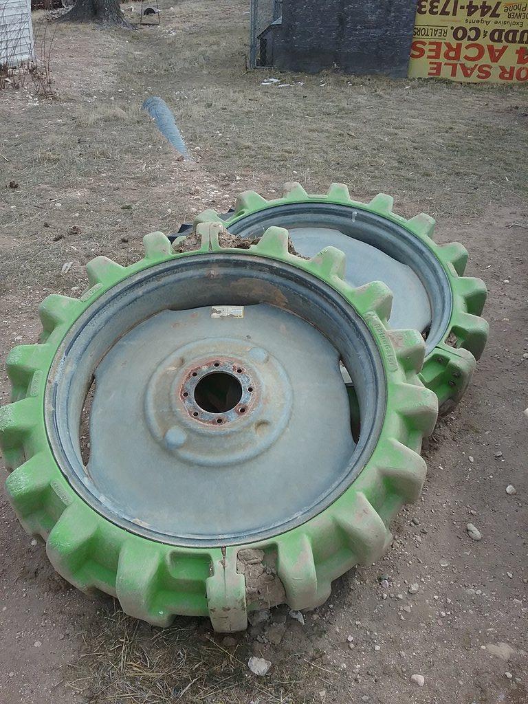 hard rubber sprinkler tires