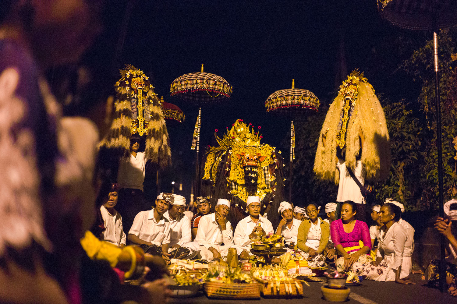 Pausing at a junction to perform a ceremony