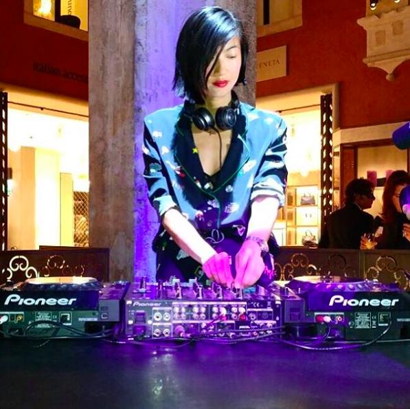 MIMI XU / DJ