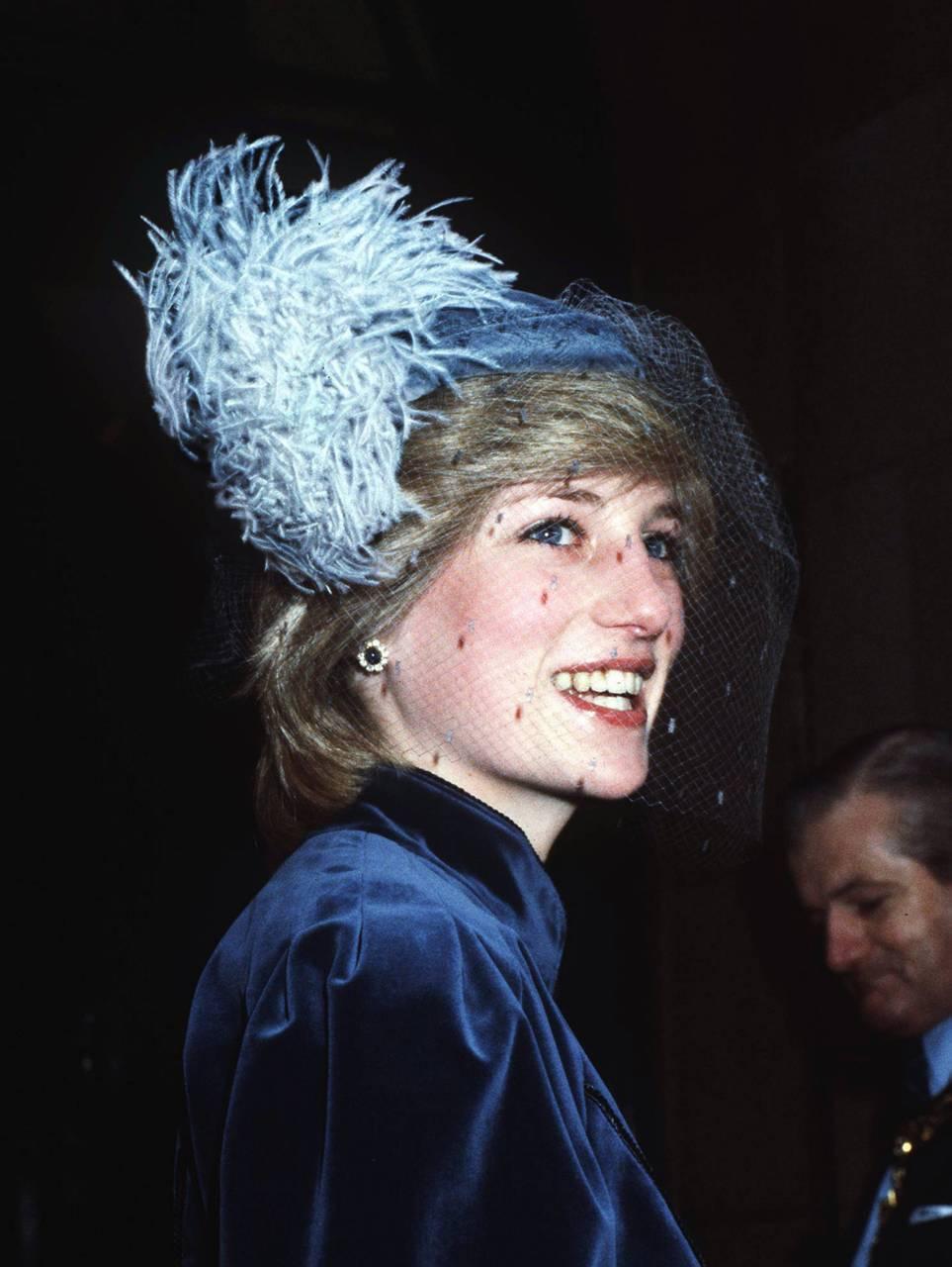 Fashion lessons by Princess Diana ... via DNAMAG