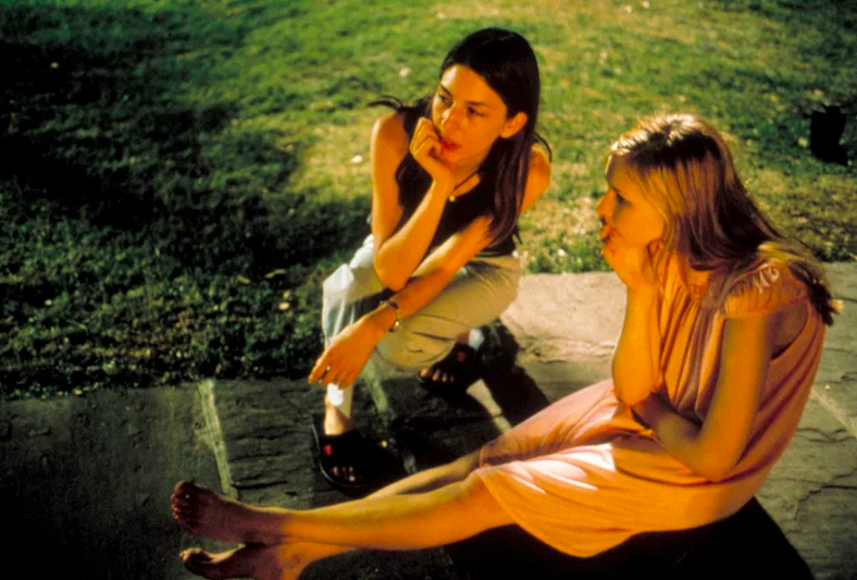 Sofia Coppola talks on the topic of suicide during The Virgin Suicides // DNAMAG
