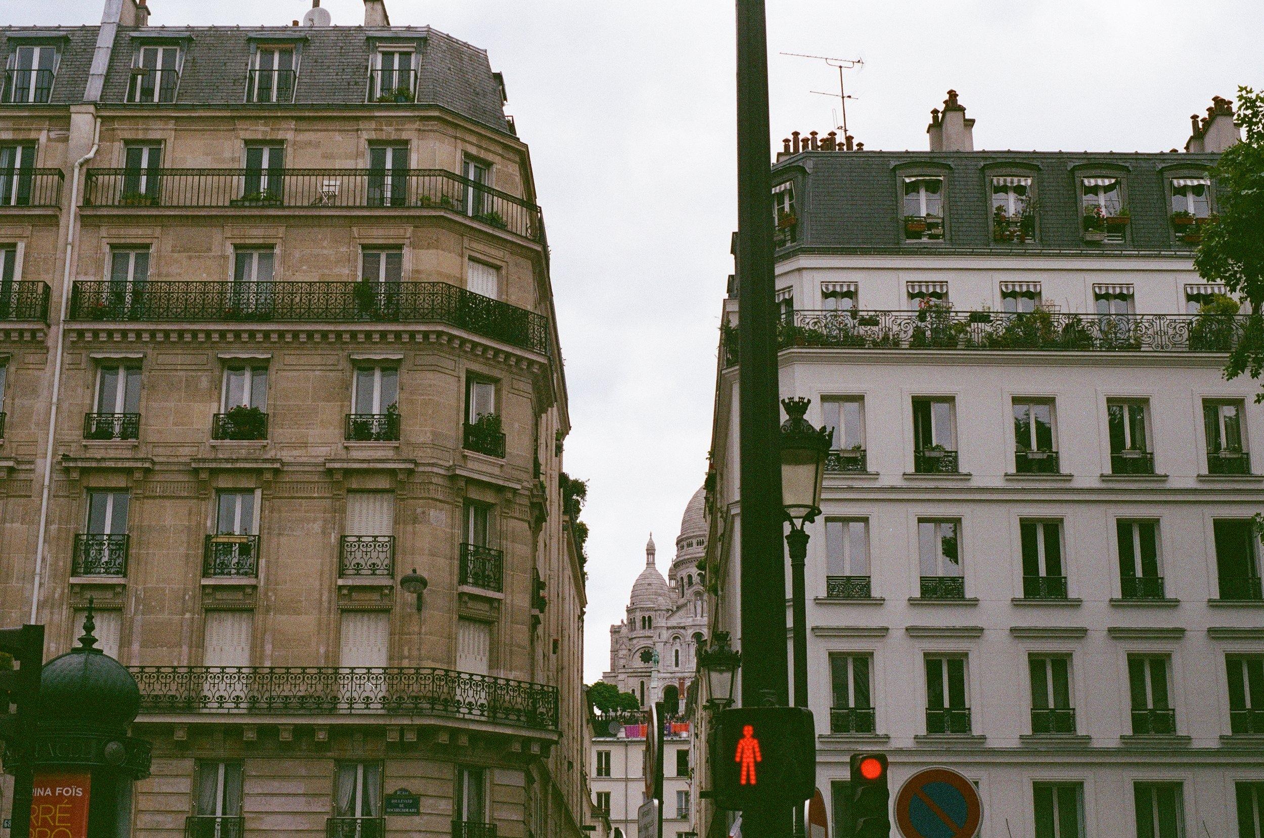 A Lookbook in Paris by Elena Chen // DNAMAG