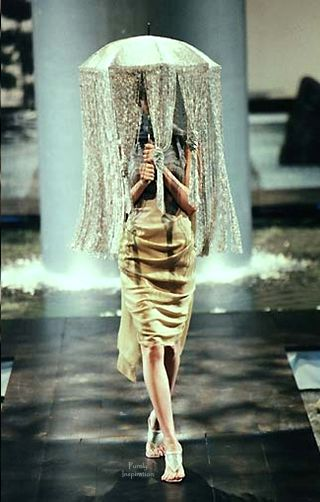 Behind the work of Alexander McQueen // DNAMAG.co