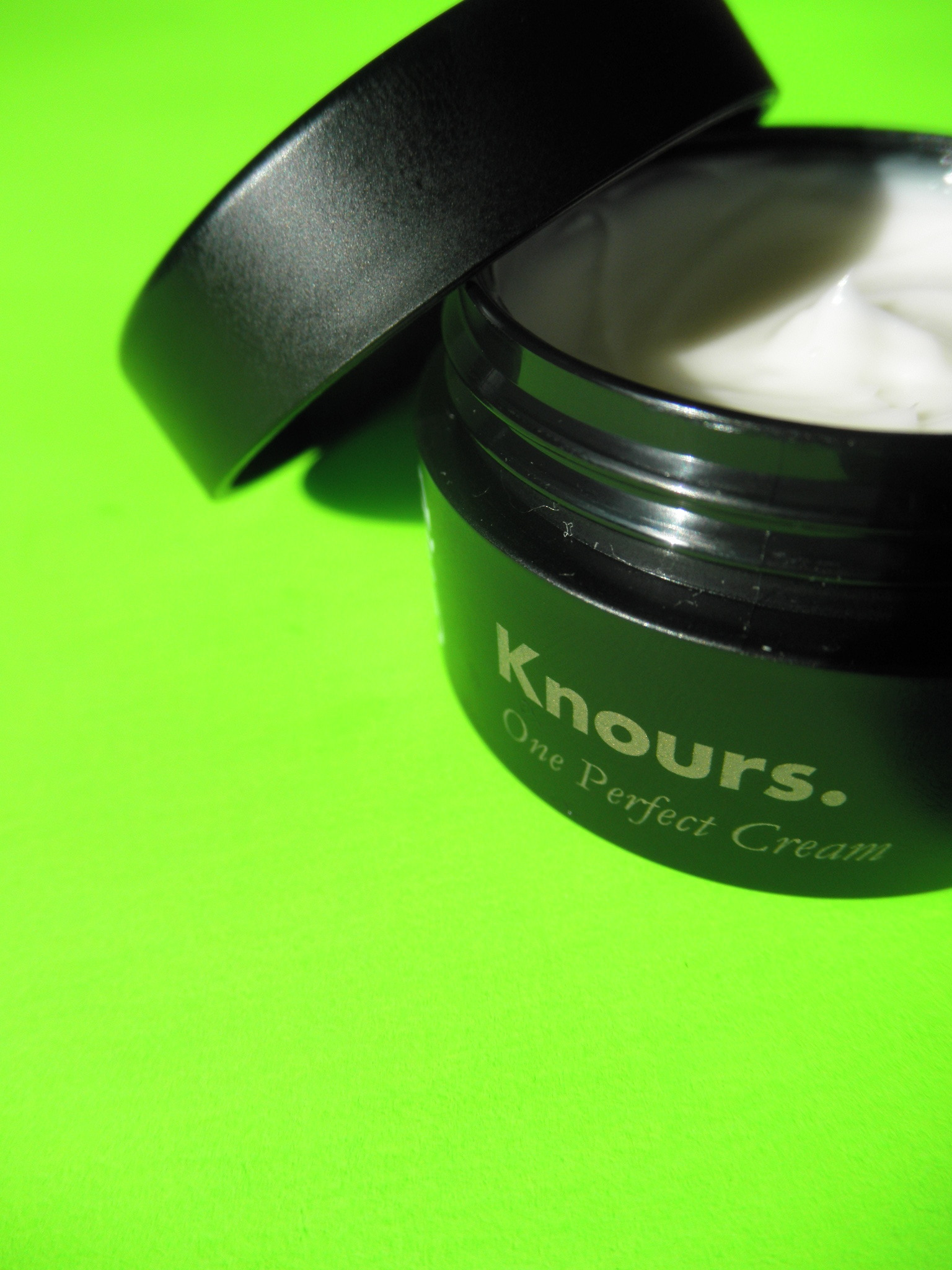 KNOURS. - ONE PERFECT CREAM -