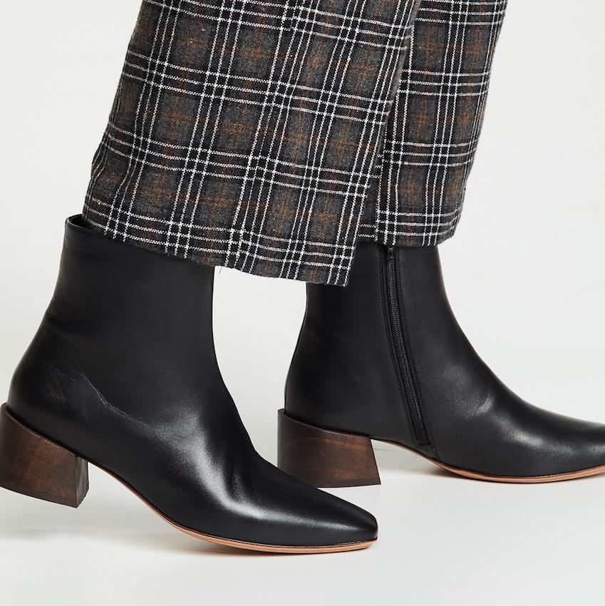 Mari Giudicelli classic black booties