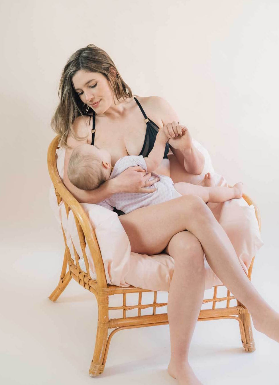 The bra for ladies with babies, Lara Intimates