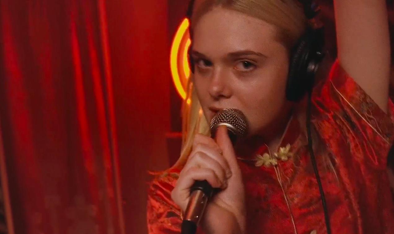 "Dakota Fanning singing ""Dancing On My Own"" directed by Gia Coppola  //  DNAMAG"